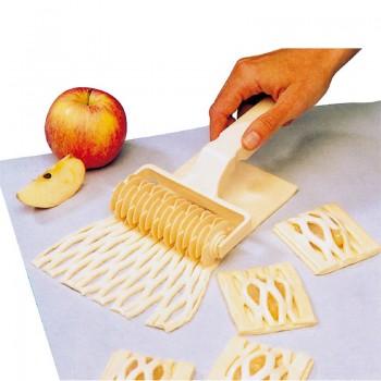 """Pastry tools"" - Cutting roller l. 11.5 cm, кутия с 1 брой валяк за рязане"